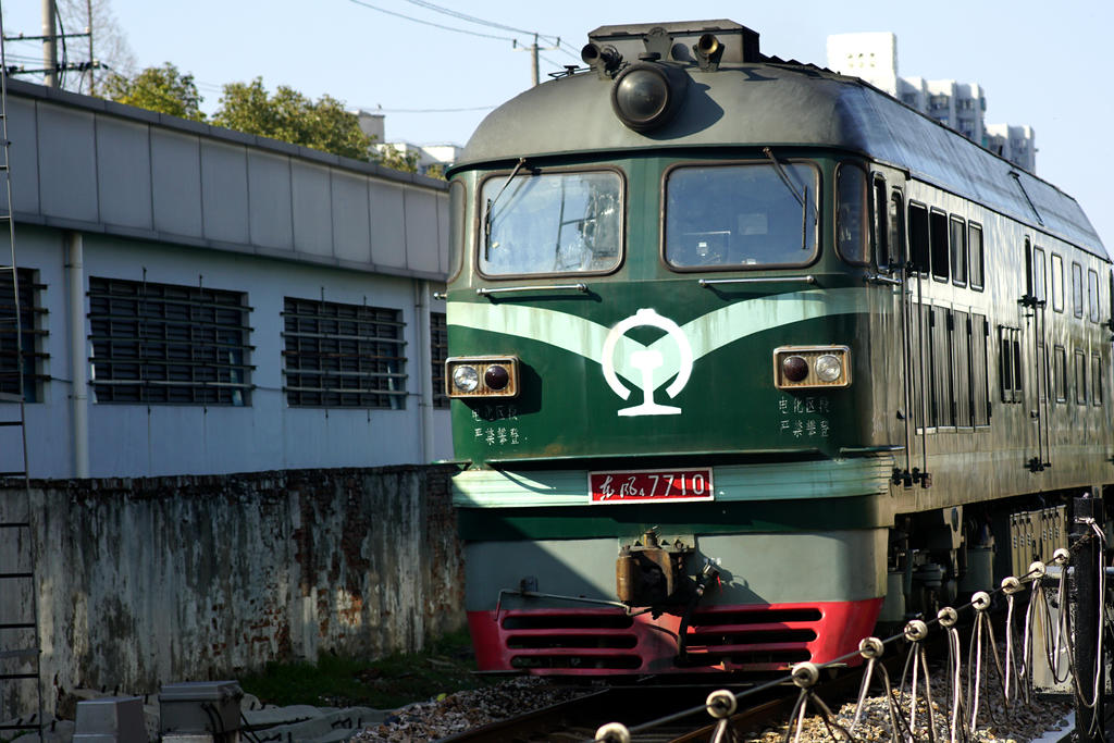 4月10日起,保定火车站实行新列车运行图