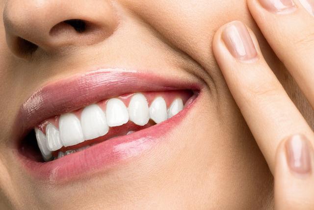 牙齿为什么会发黄?