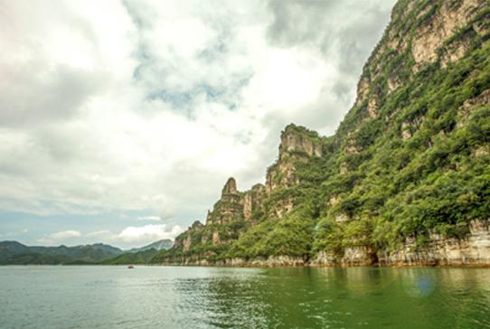 易水湖老子峰景区