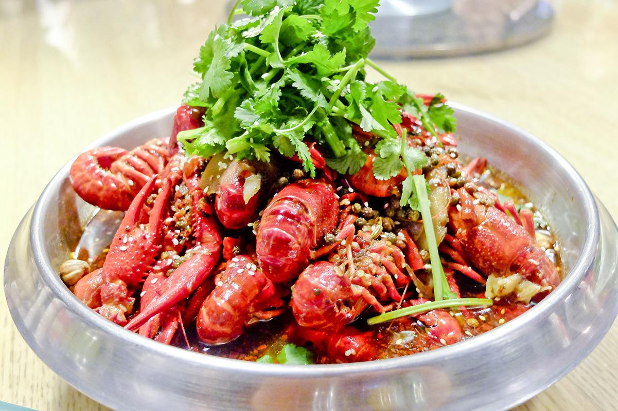 小龙虾怎么洗最干净?