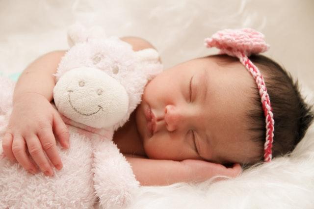 怎样预防宝宝吐奶?
