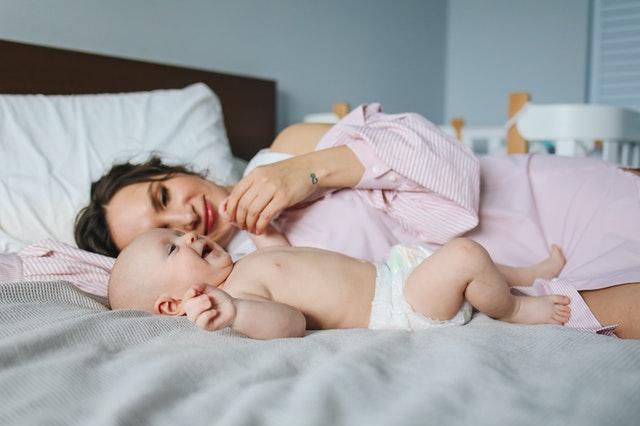 如何判断宝宝有没有吃饱?
