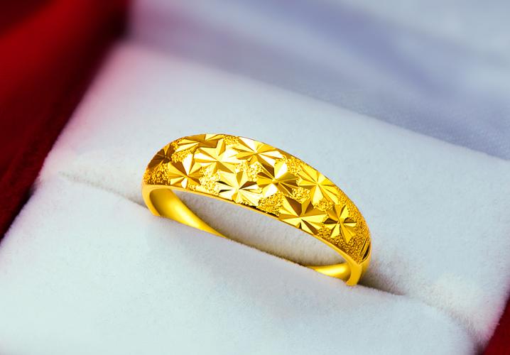 一个金戒指大概有多少克?