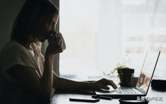 个人如何网上创业做生意赚钱(赚钱的十大网站创业方向)